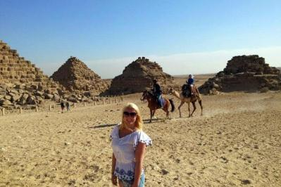 private tour to cairo from Hurghada,pyramids,sphinx,river Nile,Museum